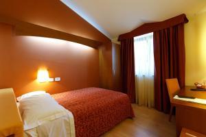 Hotel Villa Delle Rose, Отели  Оледжо - big - 10