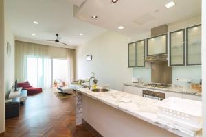 Home-Suites in Straits Quay, Penang, Апартаменты  Танджунг-Бунга - big - 33