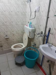 Entire Airconditioned Apartment as Value of Money, Apartmanok  Újdelhi - big - 11
