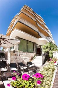 Hotel Brig - AbcAlberghi.com
