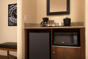 Country Inn & Suites by Radisson, Houston Intercontinental Airport East, TX, Hotely  Humble - big - 12