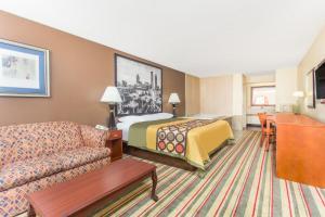 Suite med kingsize-seng og boblebad - rygning tilladt