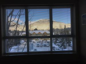 Marketplace Lodge - One-Bedroom Apartment with Mountain View - 4360 Lorimer Road - Unit 336