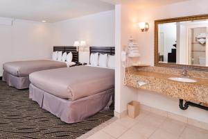 Deluxe King Suite with Two King Beds