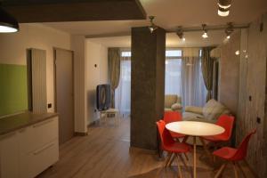 Q Apartments, Apartments  Braşov - big - 1