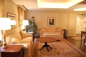 Corner One-Bedroom Suite