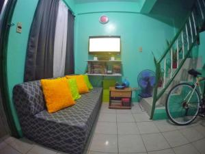 NoMadsMNL Backpackers Homestay, Priváty  Manila - big - 21