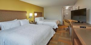 Queen Studio Suite with Two Queen Beds - Non-Smoking
