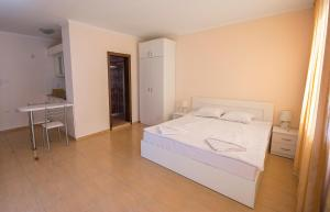 Apollon Apartments, Апартаменты  Несебр - big - 12