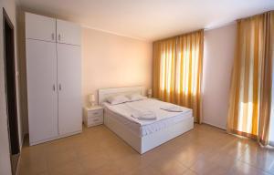 Apollon Apartments, Апартаменты  Несебр - big - 2