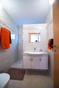 Ambelones Apartments, Апартаменты  Писсури - big - 45