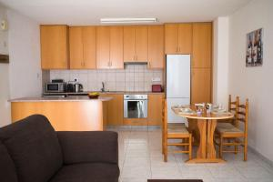 Ambelones Apartments, Апартаменты  Писсури - big - 46