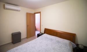Ambelones Apartments, Апартаменты  Писсури - big - 39
