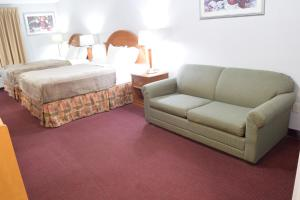 Quadruple Room - Non-Smoking