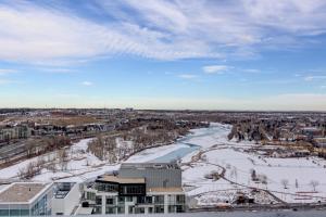 Luxury Sub-Penthouse – Downtown Riverfront, Apartmánové hotely  Calgary - big - 29