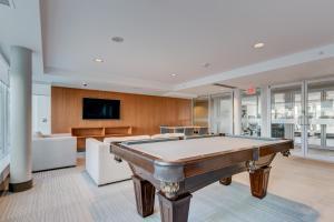 Luxury Sub-Penthouse – Downtown Riverfront, Apartmánové hotely  Calgary - big - 25