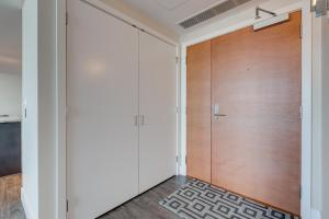 Luxury Sub-Penthouse – Downtown Riverfront, Apartmánové hotely  Calgary - big - 22