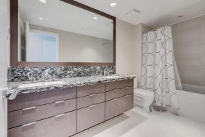 Luxury Sub-Penthouse – Downtown Riverfront, Apartmánové hotely  Calgary - big - 21