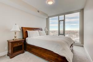 Luxury Sub-Penthouse – Downtown Riverfront, Apartmánové hotely  Calgary - big - 10