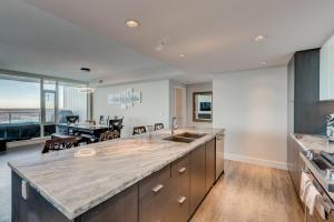 Luxury Sub-Penthouse – Downtown Riverfront, Apartmánové hotely  Calgary - big - 14