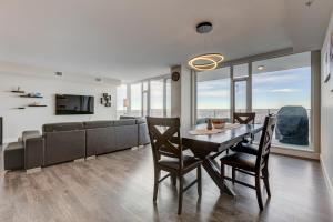 Luxury Sub-Penthouse – Downtown Riverfront, Apartmánové hotely  Calgary - big - 9