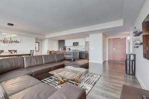 Luxury Sub-Penthouse – Downtown Riverfront, Apartmánové hotely  Calgary - big - 6