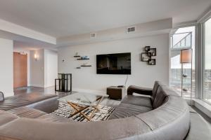 Luxury Sub-Penthouse – Downtown Riverfront, Apartmánové hotely  Calgary - big - 5