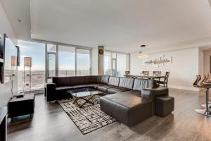 Luxury Sub-Penthouse – Downtown Riverfront, Apartmánové hotely  Calgary - big - 2