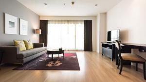 One-Bedroom Premier Apartment