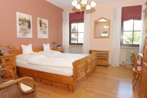 Hotel Sarbacher, Hotely  Gernsbach - big - 13