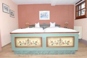 Hotel Sarbacher, Hotely  Gernsbach - big - 14