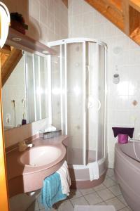 Hotel Sarbacher, Hotely  Gernsbach - big - 38