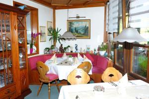 Hotel Sarbacher, Hotely  Gernsbach - big - 32