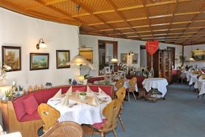 Hotel Sarbacher, Hotely  Gernsbach - big - 30