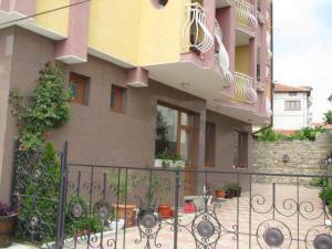 Family Hotel Denica, Hotely  Obzor - big - 19