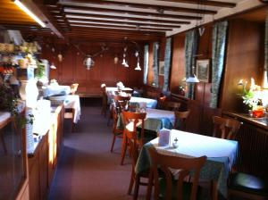 Hotel Sarbacher, Hotely  Gernsbach - big - 23