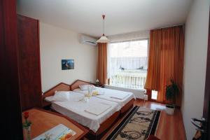 Family Hotel Denica, Hotely  Obzor - big - 7