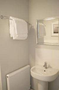 Stunning Copper Quarter Apartment, Apartmanok  Swansea - big - 16