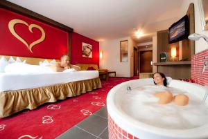 Alpen-Herz Romantik & Spa - Adults Only, Hotely  Ladis - big - 26