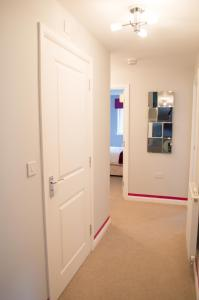 Stunning Copper Quarter Apartment, Apartmanok  Swansea - big - 23