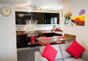 Stunning Copper Quarter Apartment, Apartmanok  Swansea - big - 24