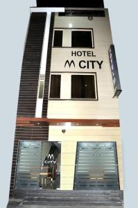 Hotel M City