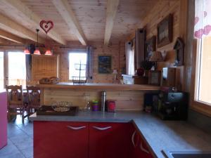 Chalet Le Villard, Alpesi faházak  Enchastrayes - big - 15