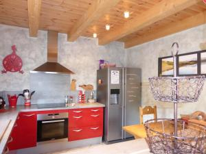Chalet Le Villard, Alpesi faházak  Enchastrayes - big - 10
