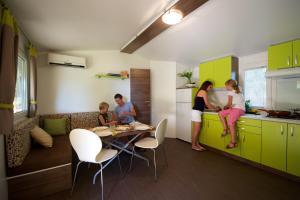 Premium Sirena Village Holiday Homes, Üdülőközpontok  Novigrad (Isztria) - big - 3