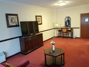 Best Western Rockingham Forest Hotel, Hotels  Corby - big - 9