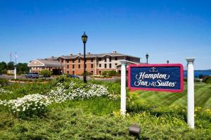 Hampton Inn and Suites Petoskey
