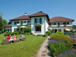 Villa Konstanze, Hotels  Velden am Wörthersee - big - 1