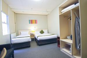Habitación Doble Estándar y Habitación con cama individual