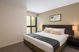 Apartament z 2 sypialniami i 2 łazienkami oraz balkonem